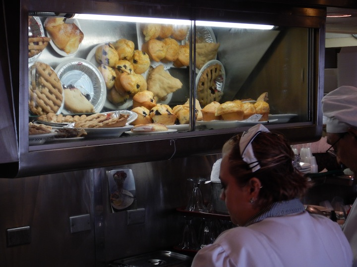 Pies and muffins are popular items at Du-Pars. (Photo: Tom Adkinson)